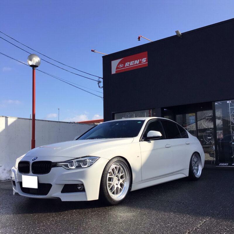 BMW F30 Mスポーツ×共豊コーポレーション AME シャレンVMX